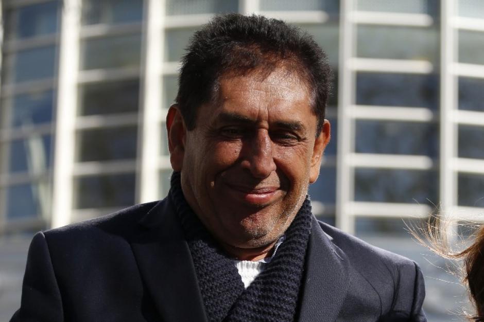 Con una enorme sonrisa se mostró Brayan Jiménez al salir del juzgado en Nueva York. (Foto: AFP)