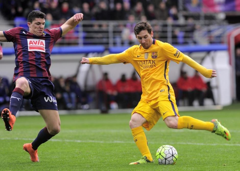 Messi es el primer jugador en la historia de la Liga que suma ocho temporadas seguidas superando la barrera de los 20 goles. (Foto: AFP)