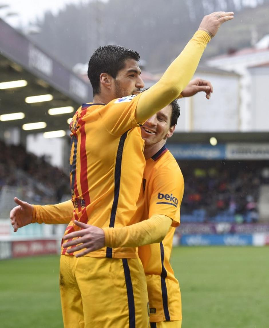 """Suárez anotó el cuarto de Barcelona y está a uno de CR7 en la pelea por el """"Pichichi"""" a diez fechas del final. (Foto: AFP)"""