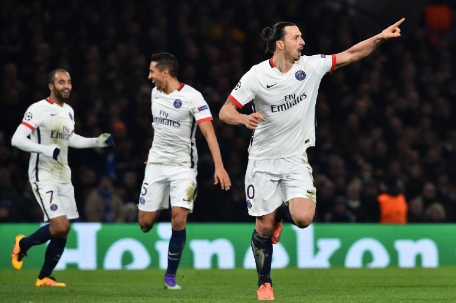Zlatan Ibrahimovic anotó el segundo gol del PSG en el estadio Stamford Bridge. (Foto: AFP)