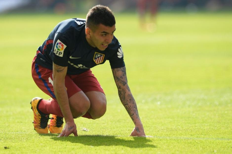 El club rojiblanco no pudo mantener su ventaja en El Molinón.  (Foto: AFP)