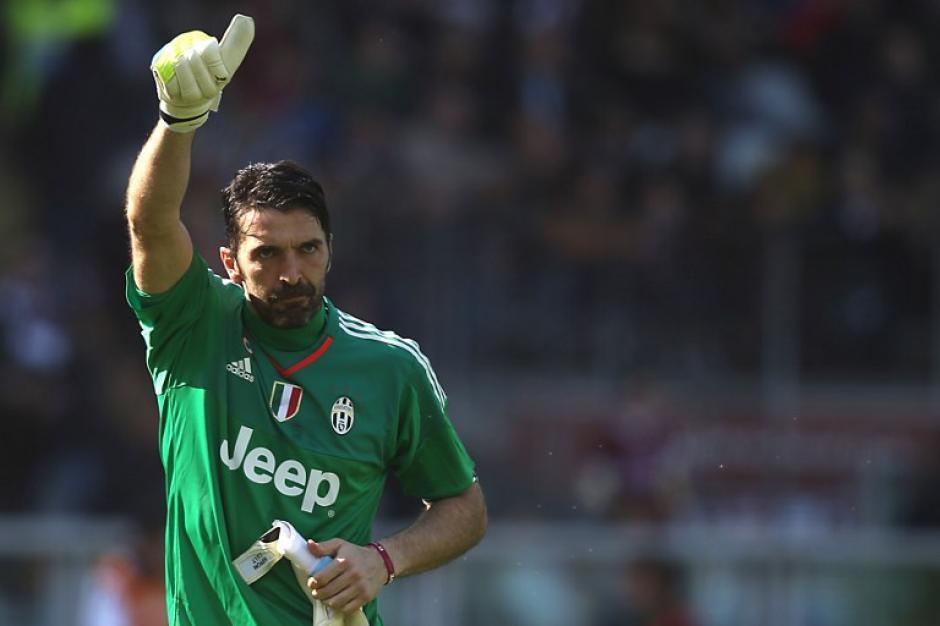 Gianluigi Buffon se consagró como una leyenda viva del fútbol italiano este fin de semana. (Foto: AFP)