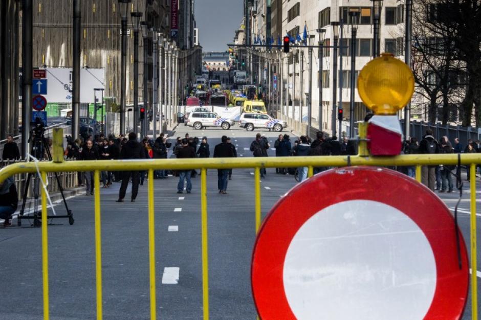 Autoridades investigan cómo pudieron ocurrir los ataques terroristas. (Foto: AFP)