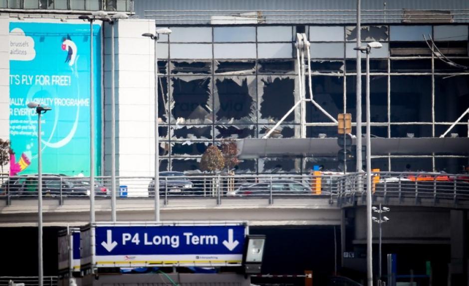 Dos explosiones se produjeron en el aeropuerto de Bruselas. (Foto: AFP)