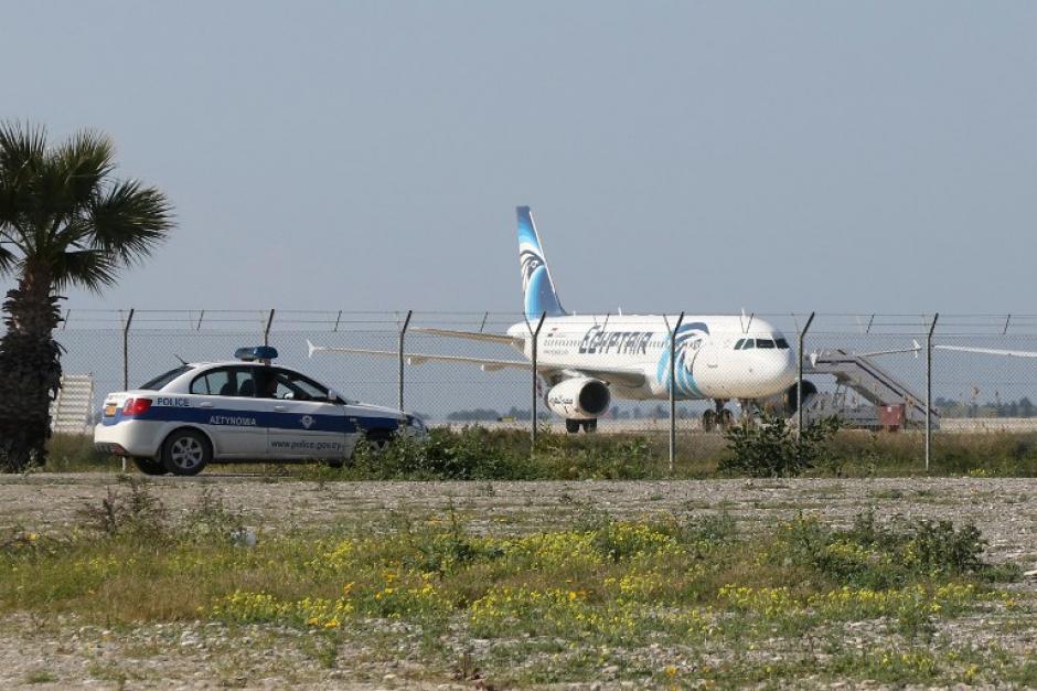 Según se informó, el captor desvió el vuelo para buscar a su exesposa en Chipre. (Foto: AFP)