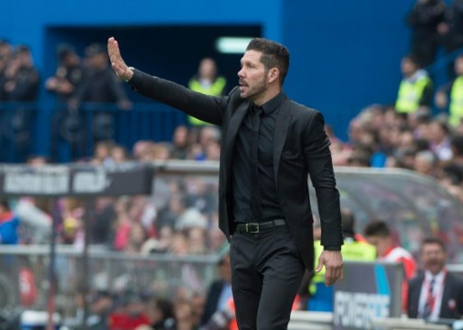 """El """"Cholo"""" Simeone sigue dirigiendo con éxito al Atlético de Madrid. (Foto: AFP)"""