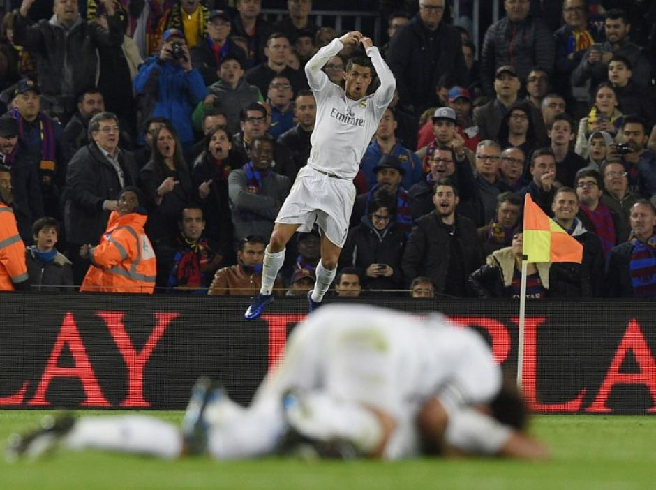 Cristiano Ronaldo festejó su gol número 16 ante Barcelona, en el clásico de España. (Foto: AFP)