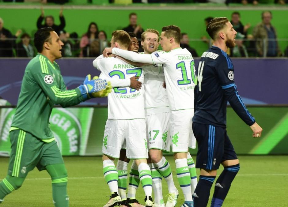 El primer tiempo le bastó al Wolfsburgo para sacar ventaja en el juego de ida de los cuartos de final de la Champions. (Foto: AFP)