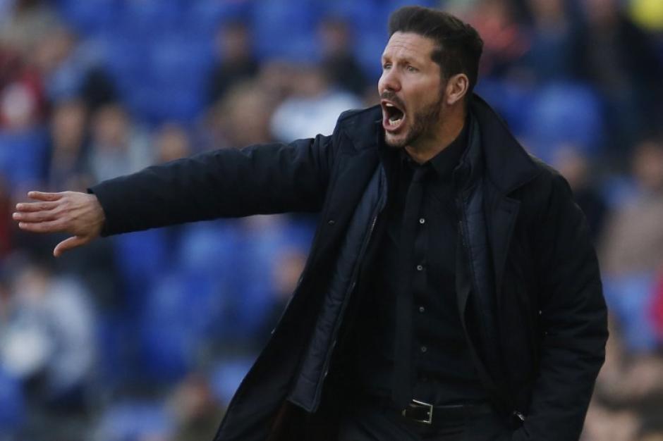 """El """"Cholo"""" Simeone vivió con mucha intensidad el partido desde el banquillo. (Foto: AFP)"""
