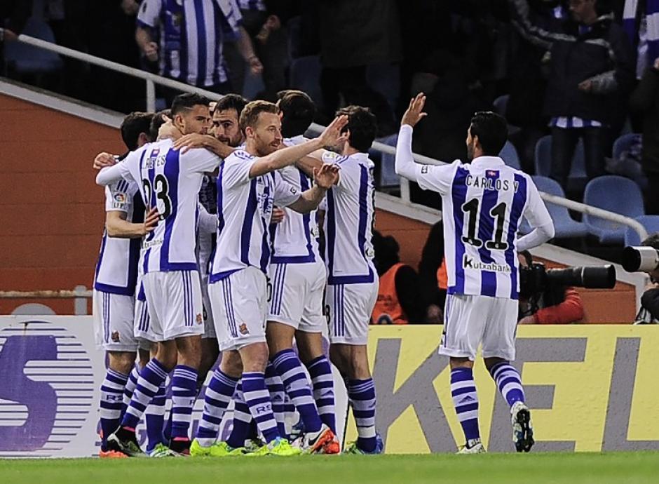 Recién al minuto 5, la Real Sociedad anotó, le alcanzó para superar a Barcelona.  (Foto: AFP)