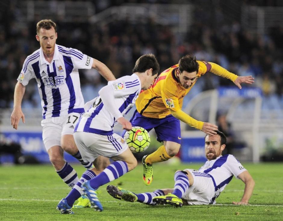 Uno, dos o tres marcas para evitar que Messi hicieron daño.  (Foto: AFP)