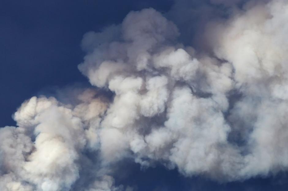 El incendio que comenzó el martes ha causado emergencia. (Foto: AFP)