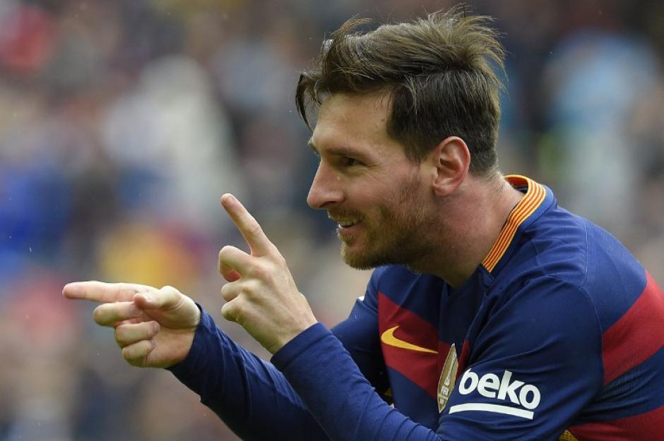 Messi convirtió el primero de Barcelona de tiro libre. (Foto: AFP)