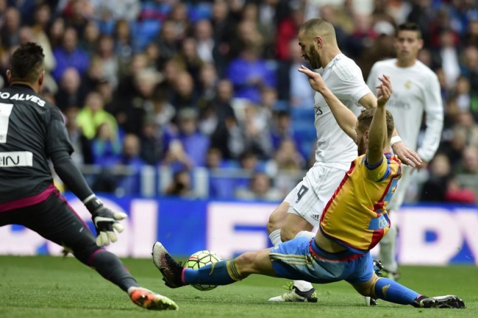Benzema anotó el segundo gol de Real Madrid ante Valencia. (Foto: AFP)