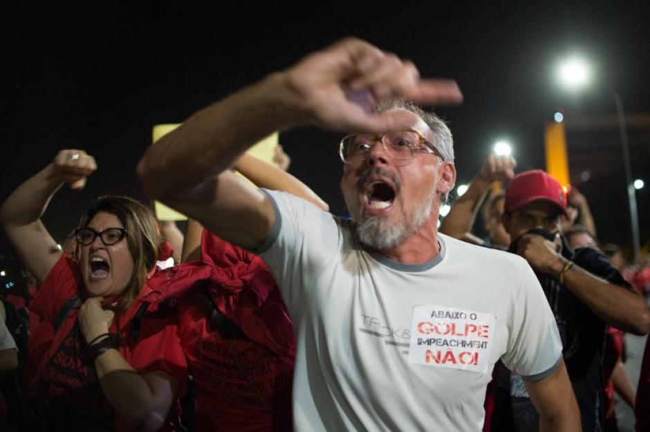 Miles de personas pedían que Rousseff fuese retirada del gobierno. (Foto: AFP)