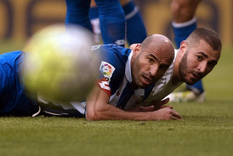 Benzema acompañó a Cristiano Ronaldo en la ofensiva de Real Madrid. (Foto: AFP)