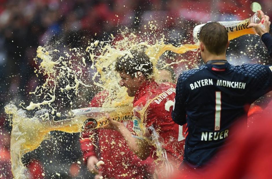 La tradicional cerveza alemana no pudo faltar en la celebración. (Foto: AFP)