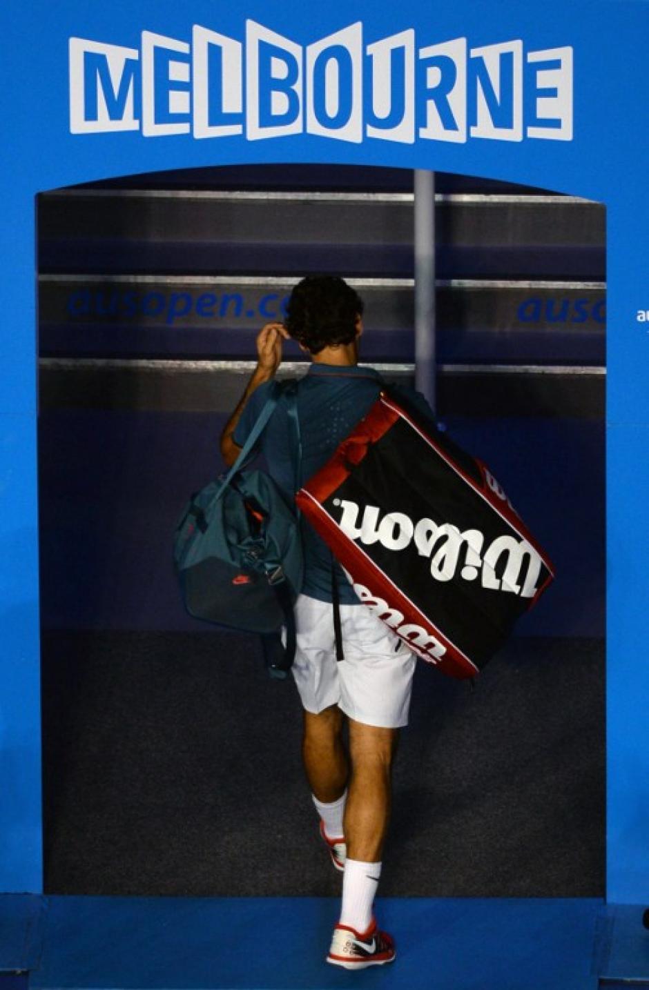 Roger Federer dio pelea en el primer set, pero luego no pudo contra un español fue más preciso.AFP/ WILLIAM WEST