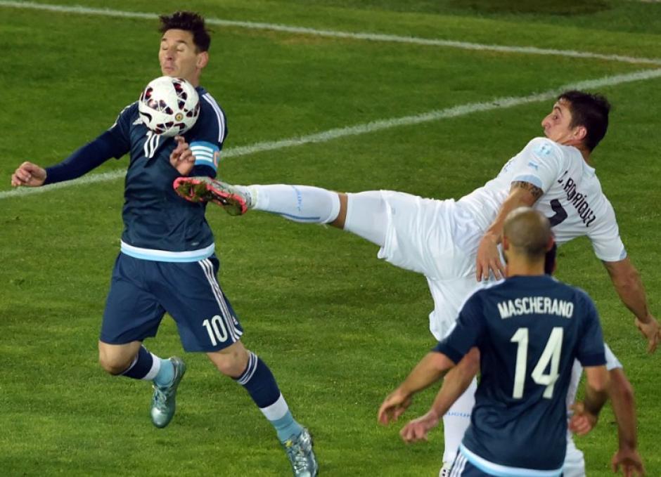 Lionel Messi tuvo de nuevo una mala experiencia con la selección de Argentina. (Foto: AFP)