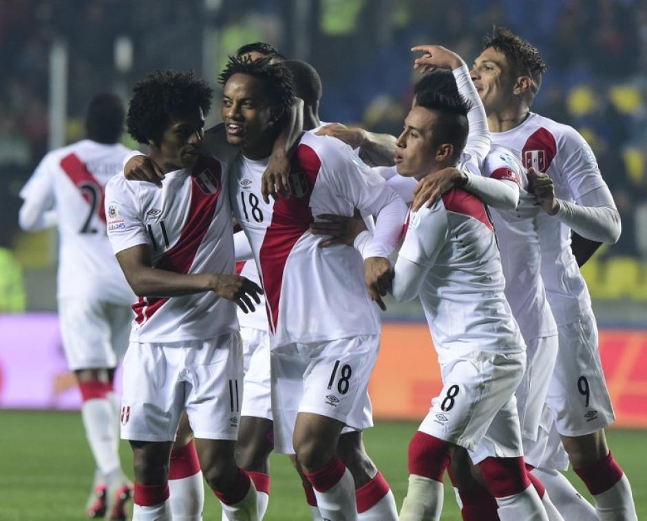 Perú derrotó 2-0 a Paraguay en el juego por el tercer lugar de la Copa América. (Foto: AFP)