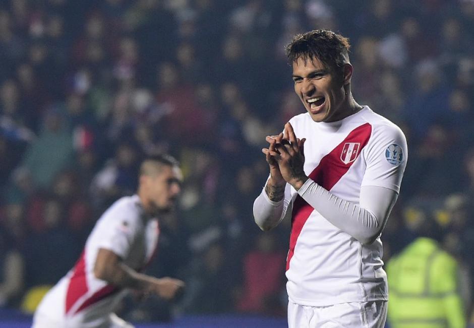 Guerrero anotó el 2-0 de Perú ante Paraguay