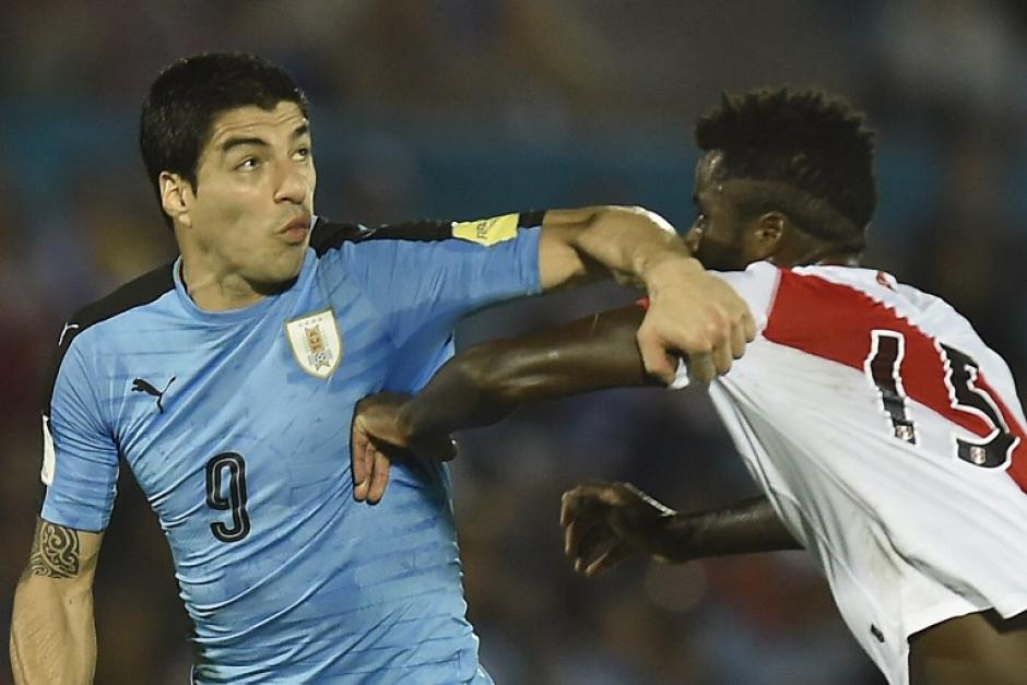 Luis Suárez regresó a jugar con su selección, que ganó 1-0 a Perú. (Foto: AFP)