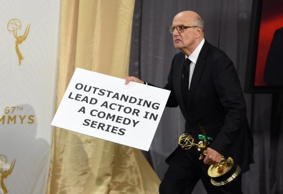 Jeffrey Tambor se quedó con el galardón a Mejor Actor de Serie de Comedia. (Foto: AFP)