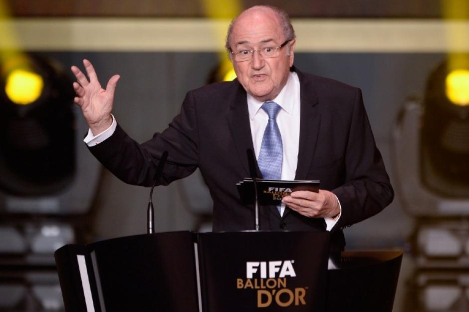 """Blatter dice que aún no está """"lo suficientemente cansado"""" como para no buscar la reelección de la presidencia de la FIFA"""