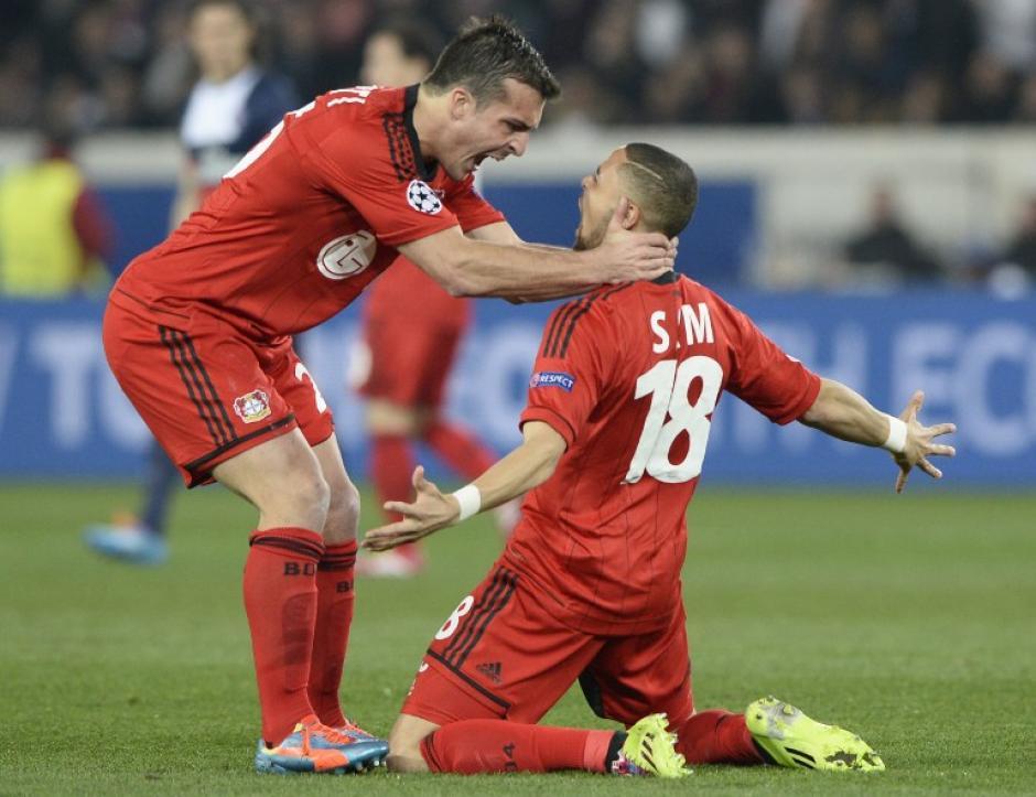 Sam inauguró el marcador a favor del Leverkusen al minuto 6. (Foto: AFP)