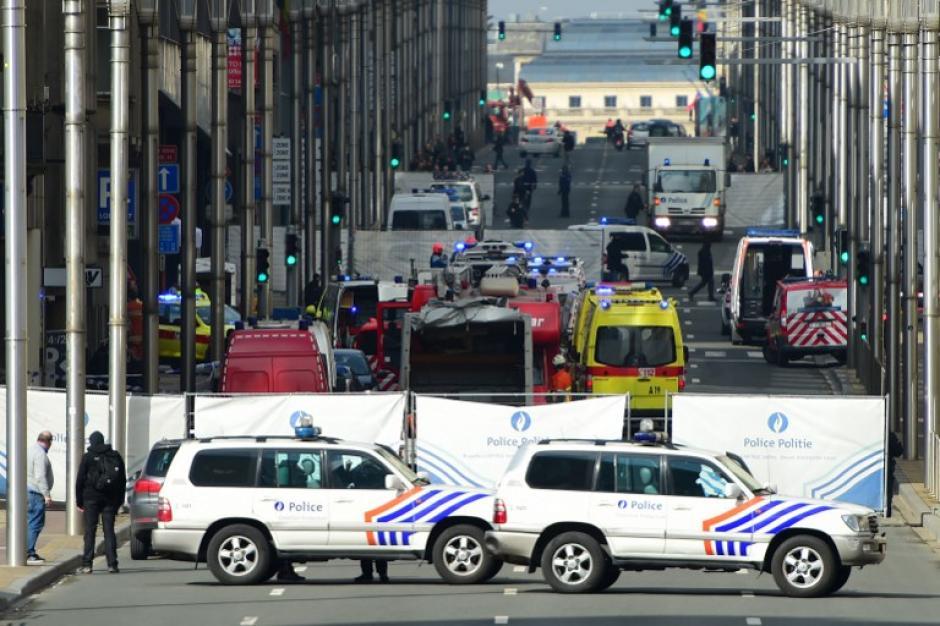 Imágenes del caos que se vive en Bruselas, Bélgica, tras los ataques terroristas. (Foto: AFP)