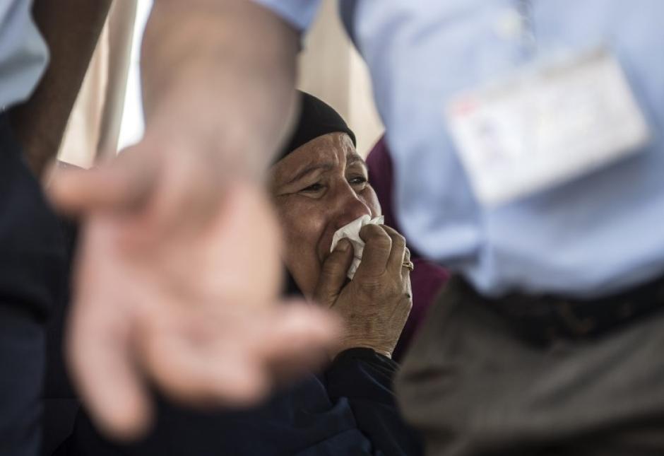 Los familiares llegaron al Aeropuerto del El Cairo para tener noticias. (Foto: AFP)