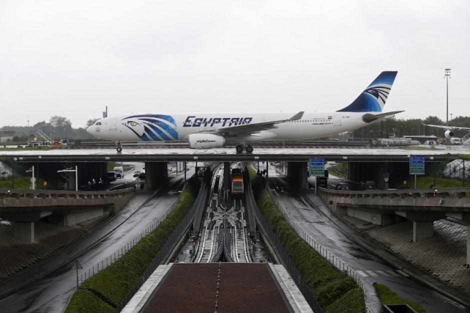 Este es uno de los aviones de la empresa Egyptair que fue desaparecido. (Foto: AFP)