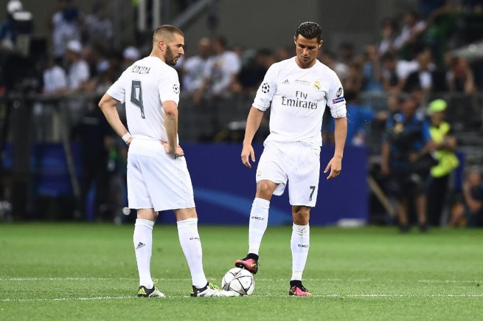 La delantera del Real Madrid no tuvo las ocasiones necesarias para resolver el juego. (Foto: AFP)