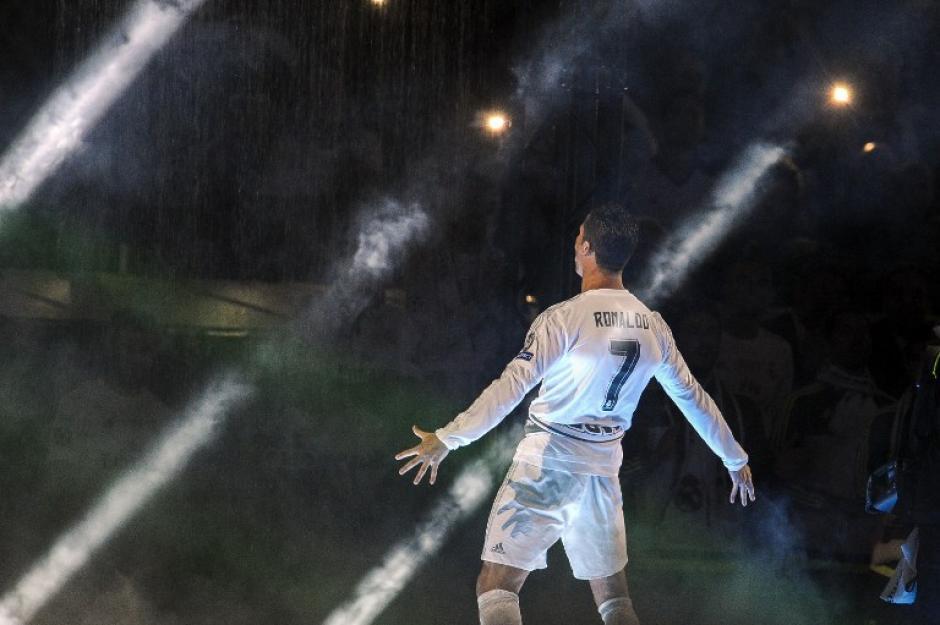 Ronaldo le dio su toque a la fiesta. (Foto: AFP)