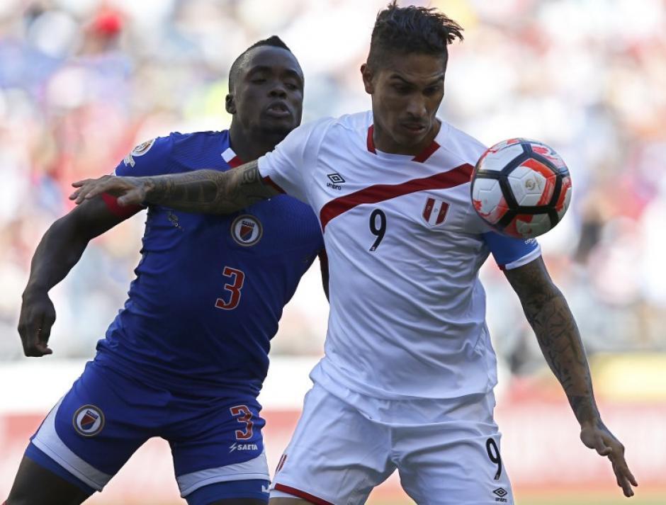 Paolo Guerrero es uno de los emblemas de la selección peruana. (Foto: AFP)