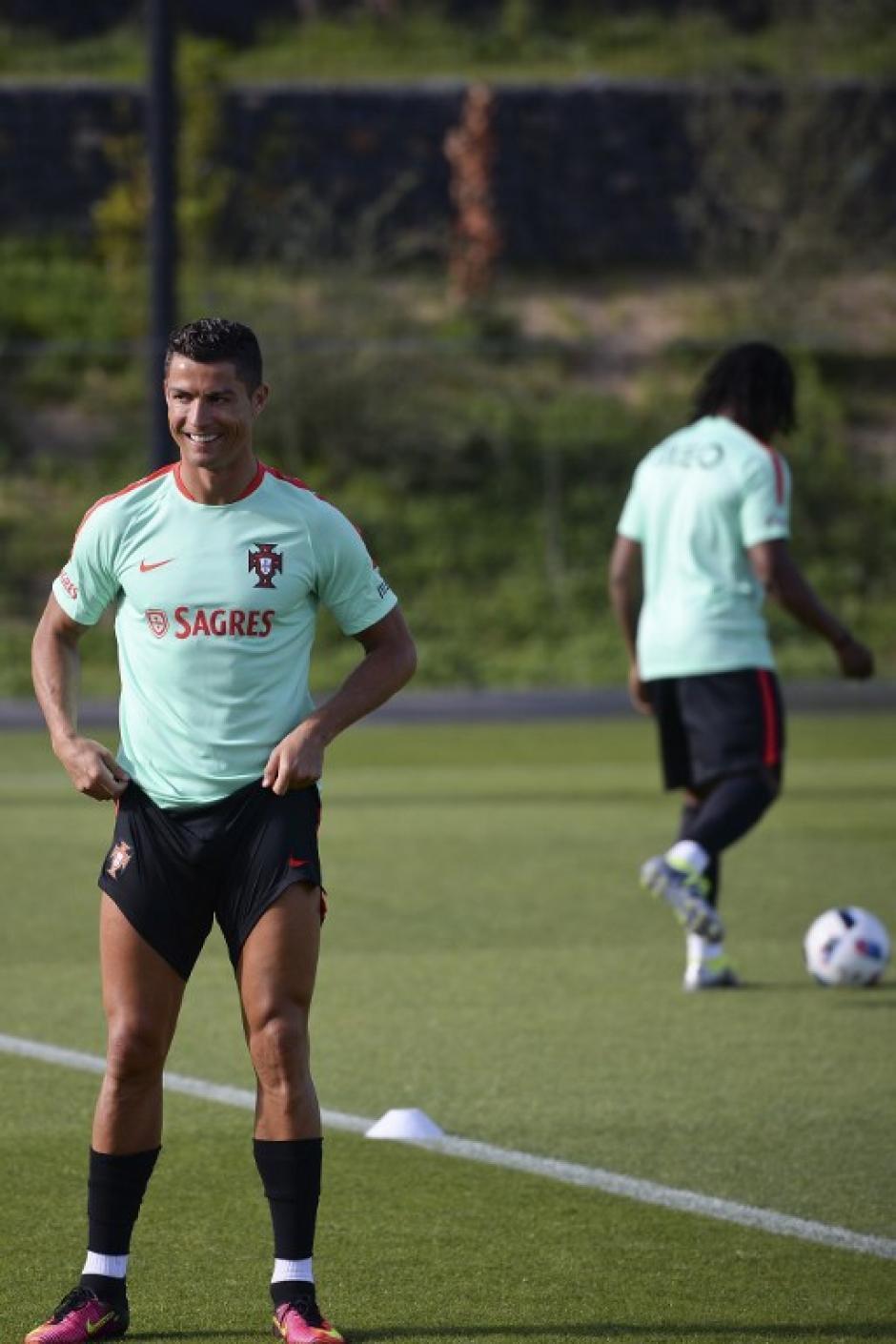 Cinco días de vacaciones en la isla de Ibiza, España, y volvió a los entrenos el astro de Real Madrid. (Foto: AFP)