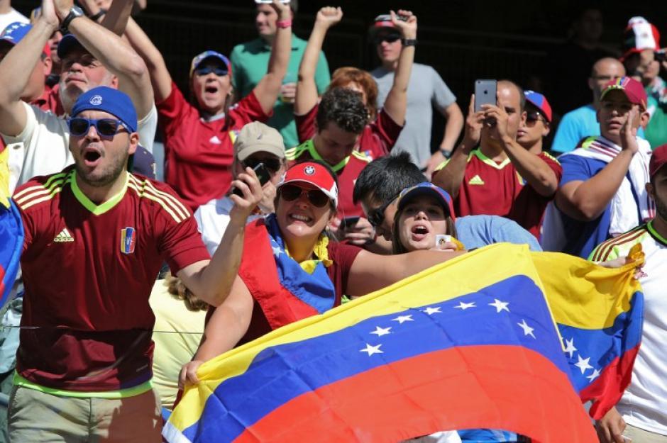 La afición venezolana le puso ambiente a los graderíos. (Foto: AFP)