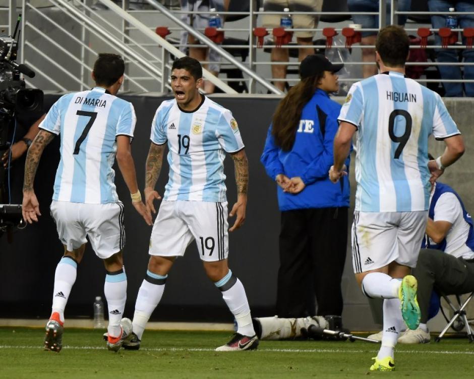 Con tres puntos inició Argentina la Copa América, tras derrotar a Chile. (Foto: AFP)