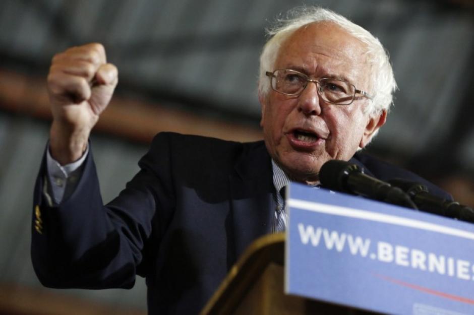 El rival de Clinton, Bernie Sanders podría ser su compañero e impulsar su campaña.  (Foto: AFP)