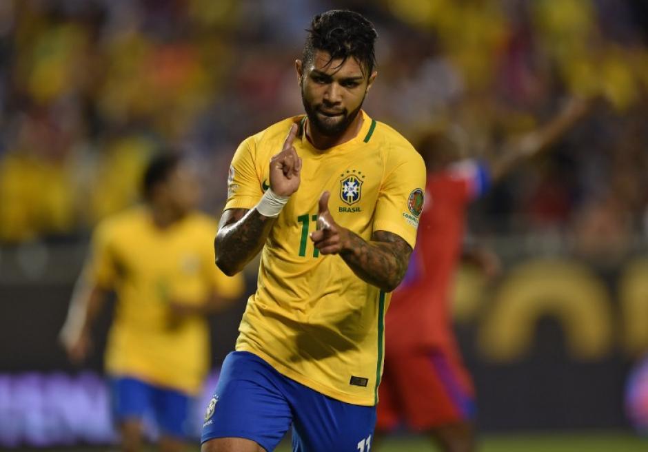 Gabriel festejó el cuarto gol de los brasileños ante los caribeños. (Foto: AFP)