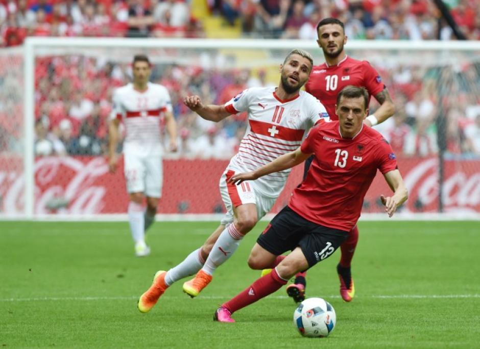 Suiza no brilló, pero ganó sus primeros tres puntos. (Foto: AFP)