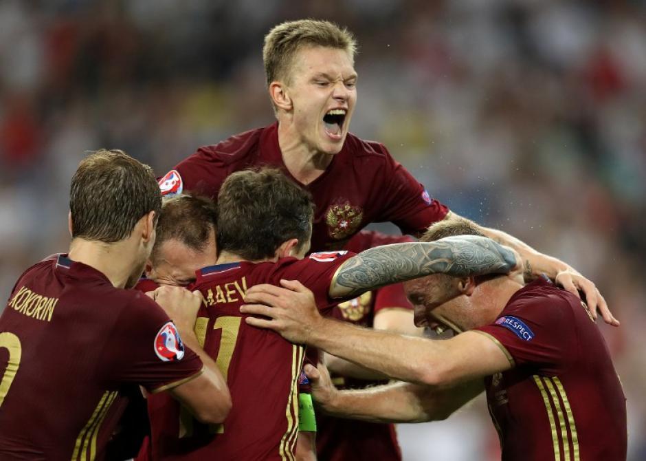 Glushakov empató para Rusia en los últimos suspiros del partido. (Foto: AFP)