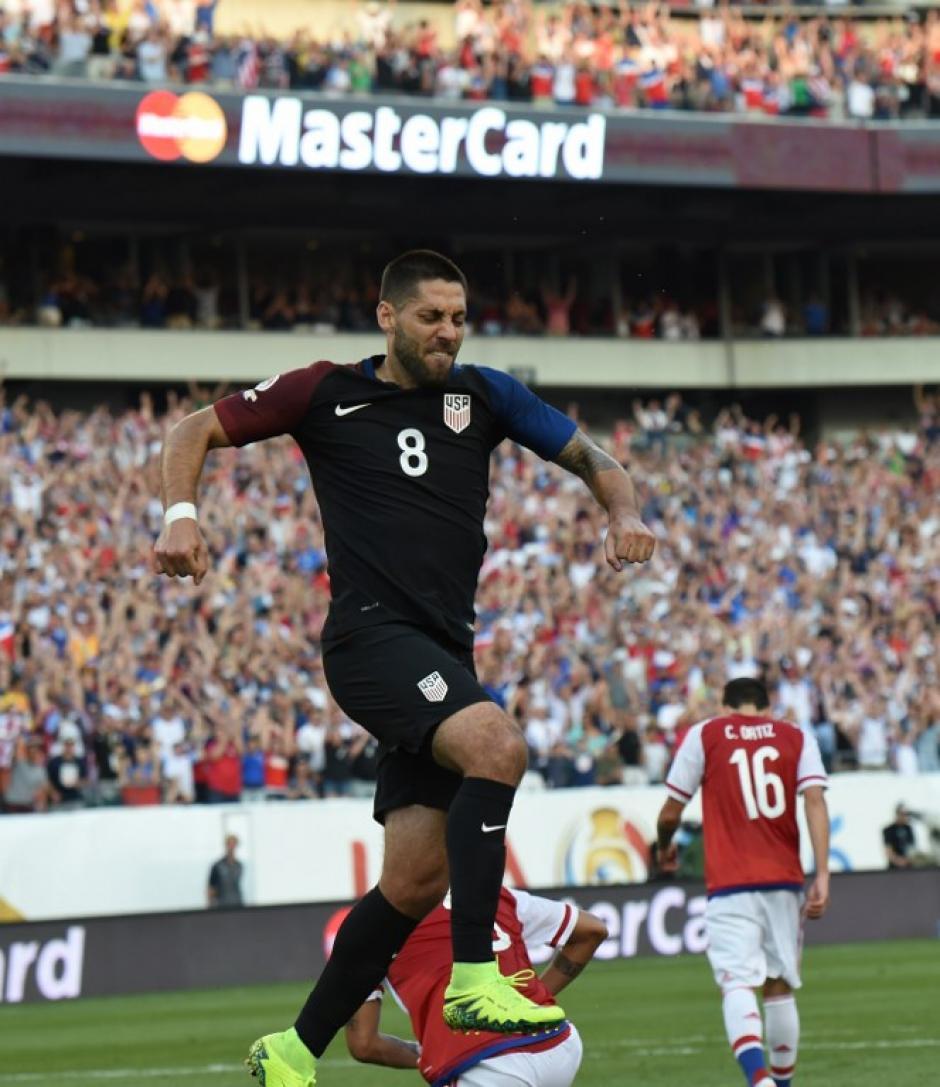 Así celebró Dempsey su anotación ante los paraguayos. (Foto: AFP)