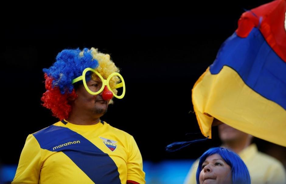 La afición ecuatoriana se hizo sentir en los graderíos. (Foto: AFP)