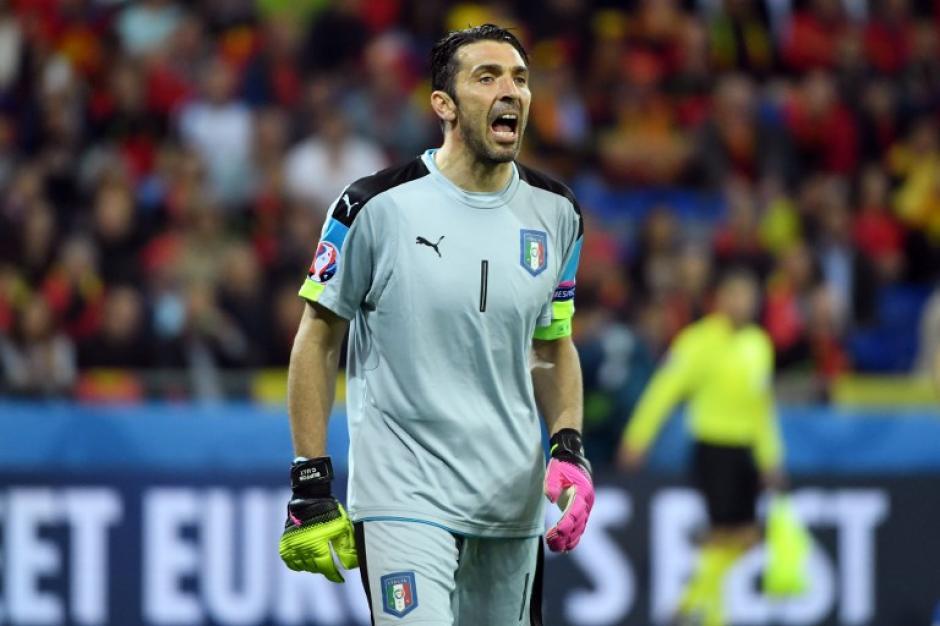 Buffon sigue siendo el referente de la selección italiana. (Foto: AFP)