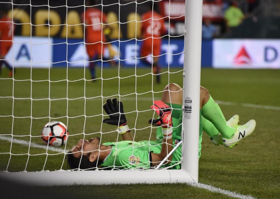 Alexis Sánchez ha sacado el pecho junto a Arturo Vidal para Chile. (Foto: AFP)