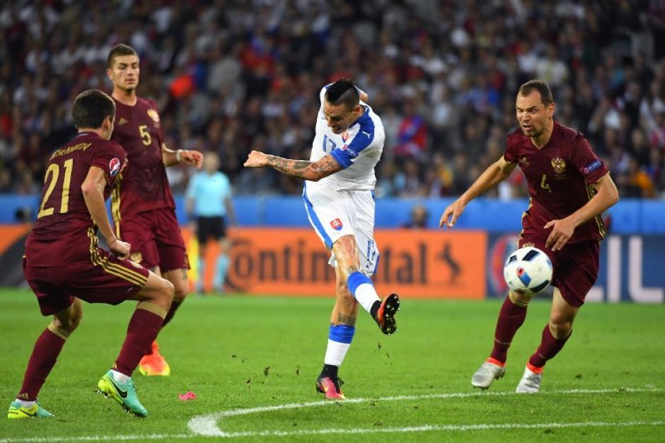 Eslovaquia neutralizó la estrategia de Rusia y fue contundente en los momentos oportunos. (Foto: AFP)