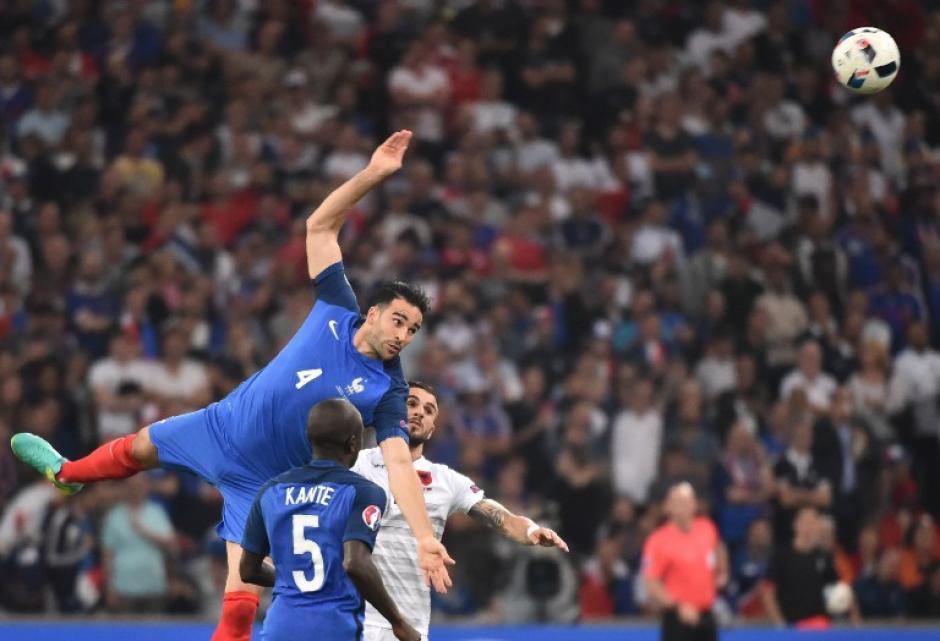 Francia selló su boleto a la segunda ronda de la Euro 2016. (Foto: AFP)
