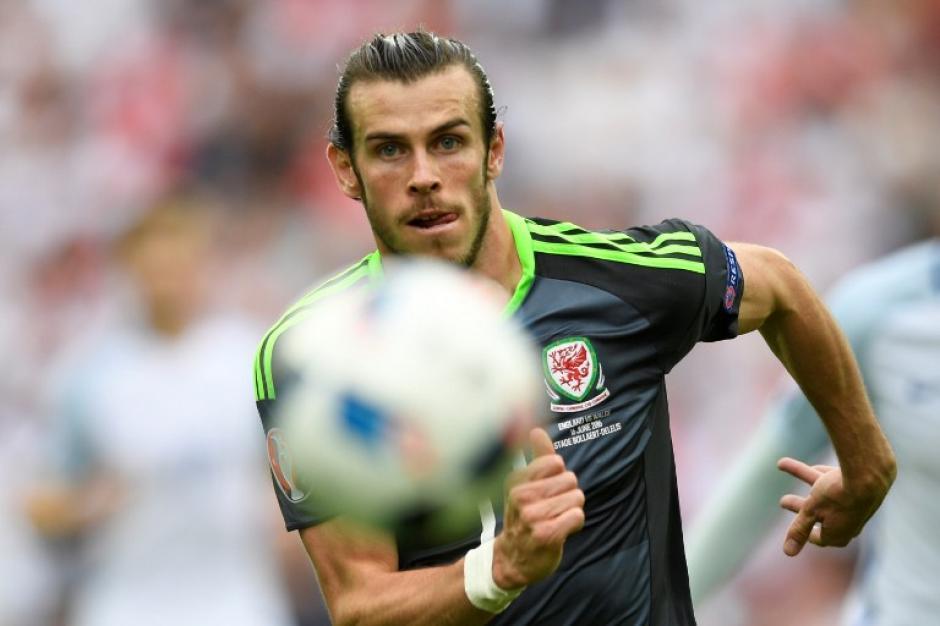 Bale ya suma dos goles de falta en la Euro. (Foto: AFP)