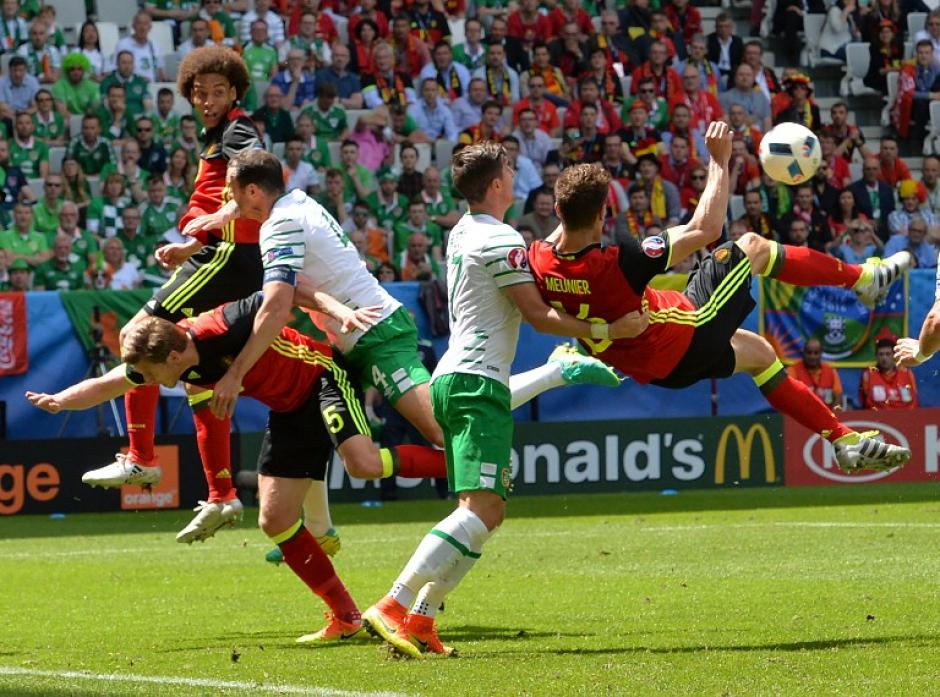 En los minutos 48, 61 y 70 convirtió Bélgica ante los irlandeses. (Foto: AFP)